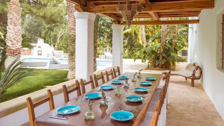 Prana-Ibiza Yoga Retreat - outdoor dining